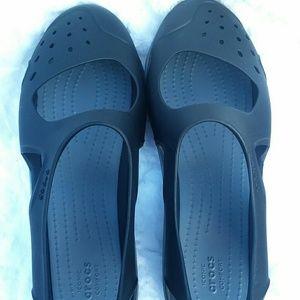 Women's Crocs size 6 Swiftwater Wave Black